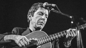 Leonard Cohen, el 17 de noviembre de 1980, en el Palacio de los Deportes de Barcelona..