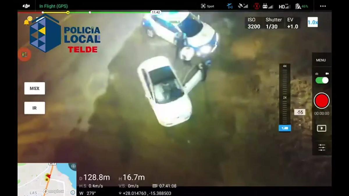 Un dron 'caza' a una conductora que pretendía evitar un control en Telde.