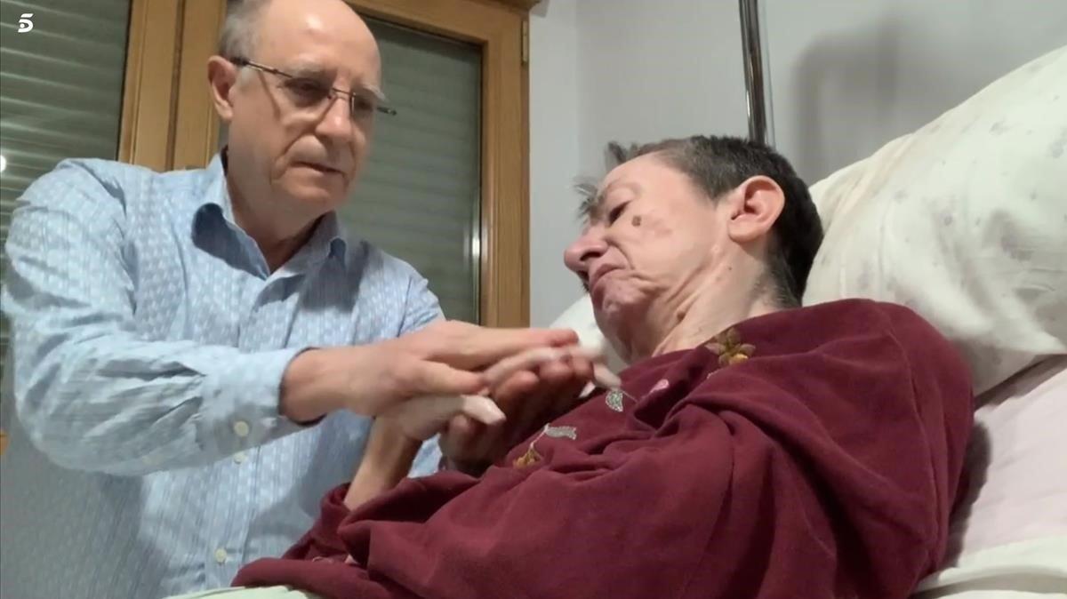 Ángel Hernández y María José Carrasco, en el vídeo que grabaron.