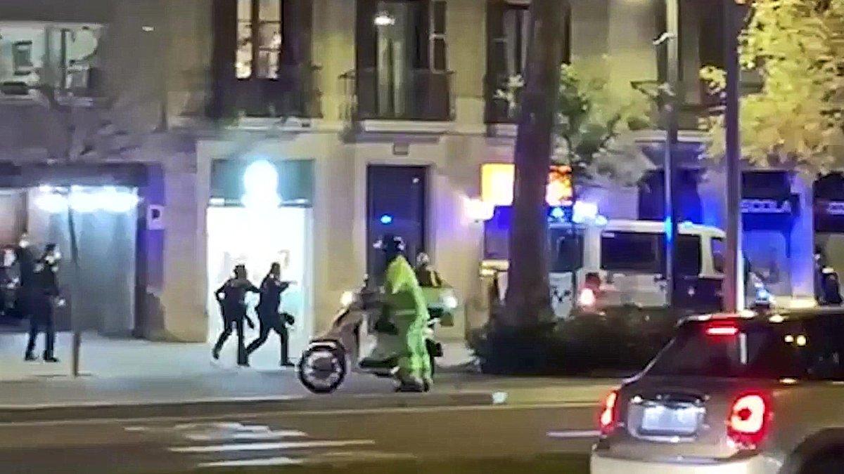 Arrels es presentarà com a acusació popular contra el guàrdia urbà que va disparar a l'indigent