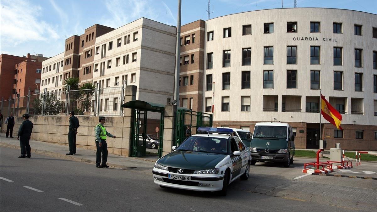Imagen del exterior del cuartel de la Guardia Civil en Sant Andreu de la Barca.