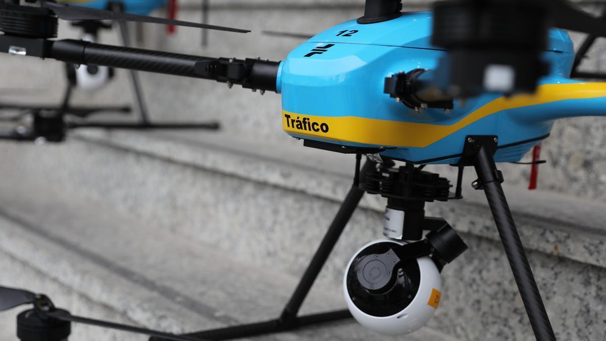 Uno de los nuevos drones de la Dirección General de Tráfico en la sede de la DGT en Madrid, el 6 de julio.