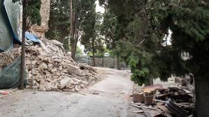 Aspecto de la nave del cementerio de Monmtjuïc afectada por un derrumbe en septiembre del 2017.