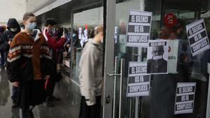 Protesta en el Institut del Teatre tras el escándalo de abusos.