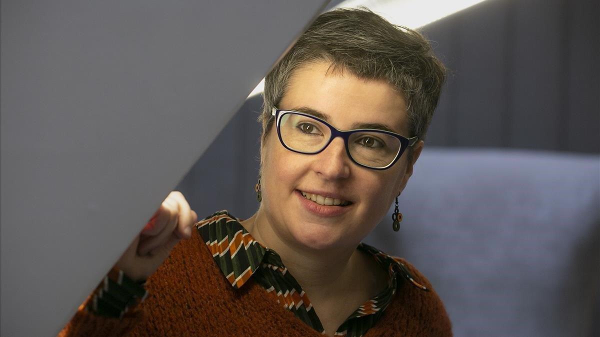 Anna Ballbona, ganadora del quinto Premi Llibres Anagrama, este lunes.