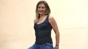 Eva Villaver, doctora en Astrofísica y autora de 'Las mil caras de la Luna', durante la entrevista con EL PERIÓDICO.