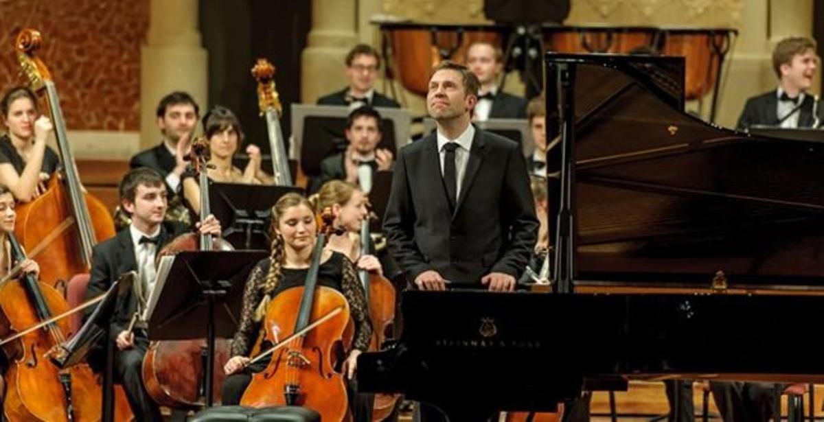 El Palau de la Música vibra con un gran concierto de Beethoven