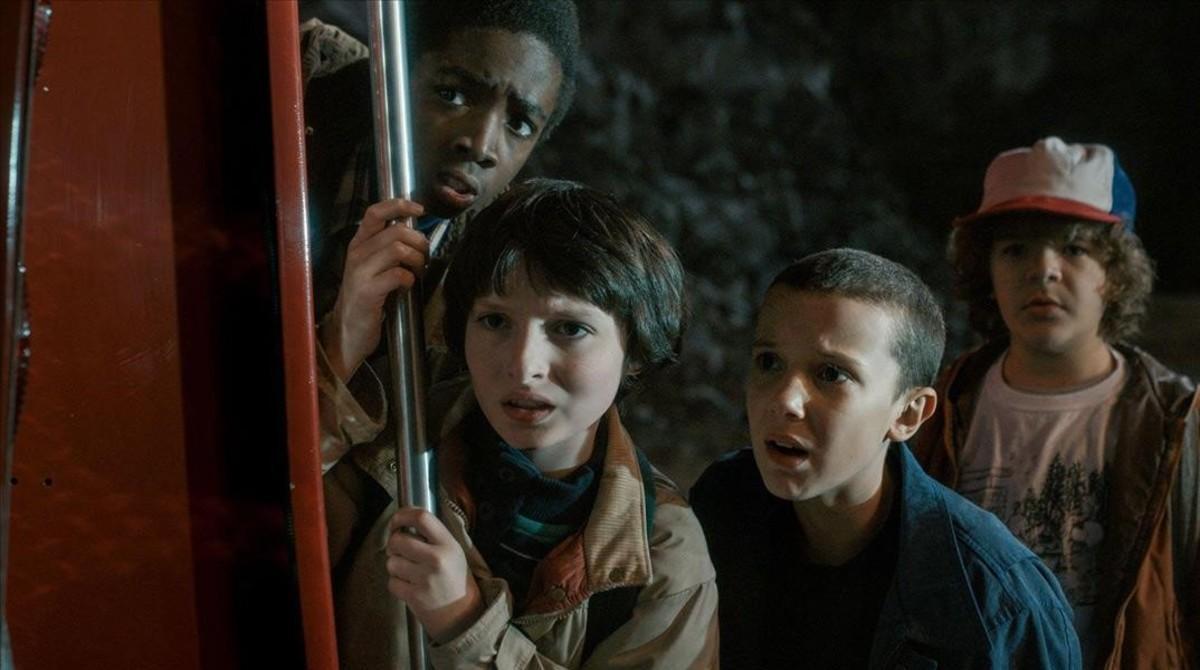 Los cuatro niños protagonistas de 'Stranger things'.