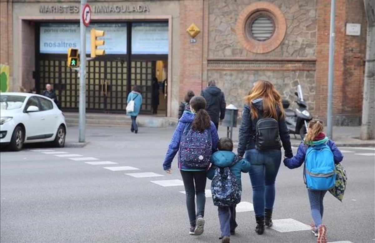 Entrada del colegio La Immaculada de losMaristas, en el cruce de Roger de Flor y València, en el Eixample de Barcelona.