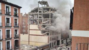 Al menos tres muertos al explotar un edificio en el centro de Madrid
