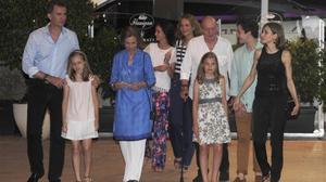 La familia real al completo ha salido a cenar a Puerto Portals, en el municipio de Calviá.