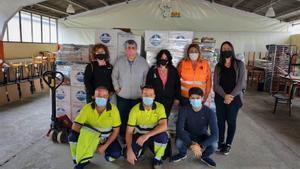 Donación de 12 toneladasde pienso para las colonias de gatos y perros de Mollet y Sant Fost.