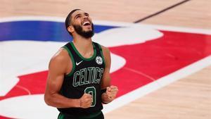 Jayson Tatum, de los Celtics.