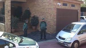 Registran el domicilio de Josep Prat en Tarragona mientras su abogado, Javier Melero, entra y sale de la casa