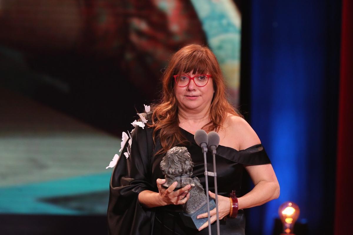 Isabel Coixet, con uno de los tres premios Goya que recogió elpasado mes de febrero por supelícula 'La librería'.