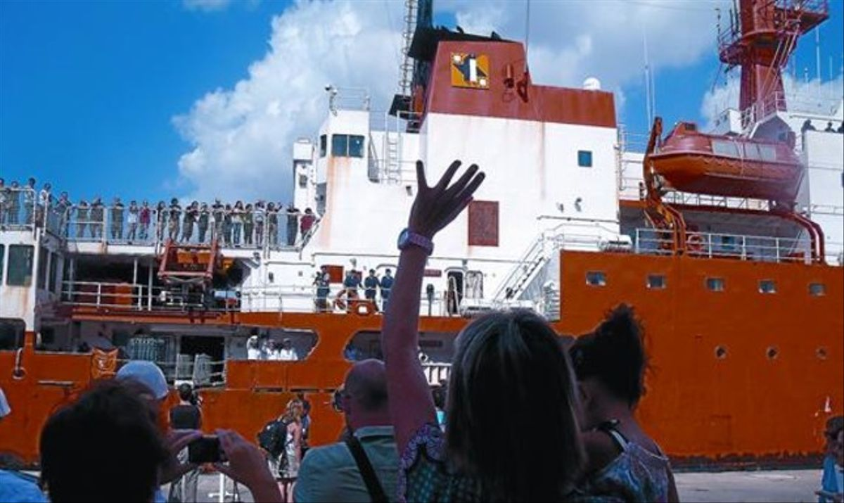 Llegada del 'Hespérides' a Cartagena, ayer.