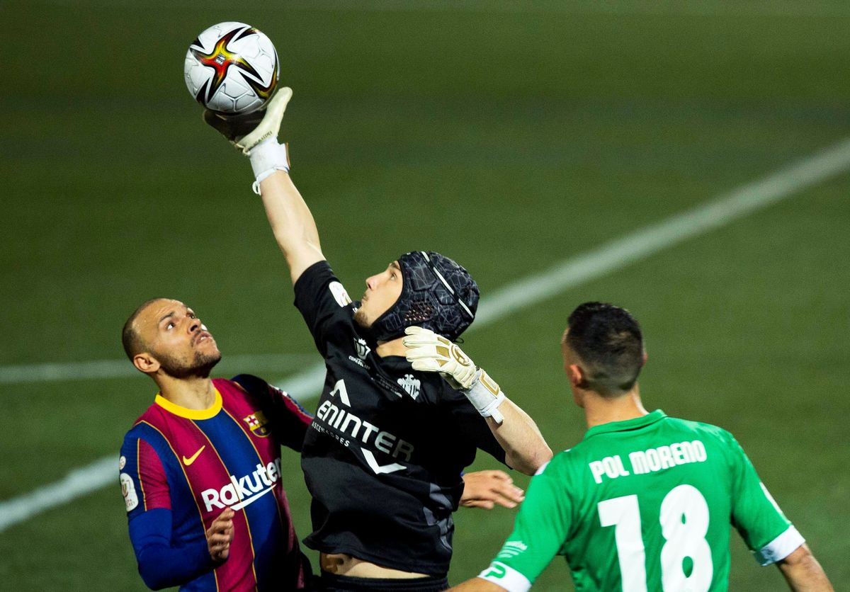 Així és Ramón Juan, primer porter que atura dos penals al Barça