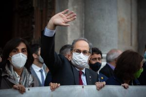 Quim Torra, a su salida del Palau de la Generalitat tras ser inhabilitado como 'president' de la Generalitat, el pasado 28 de septiembre.
