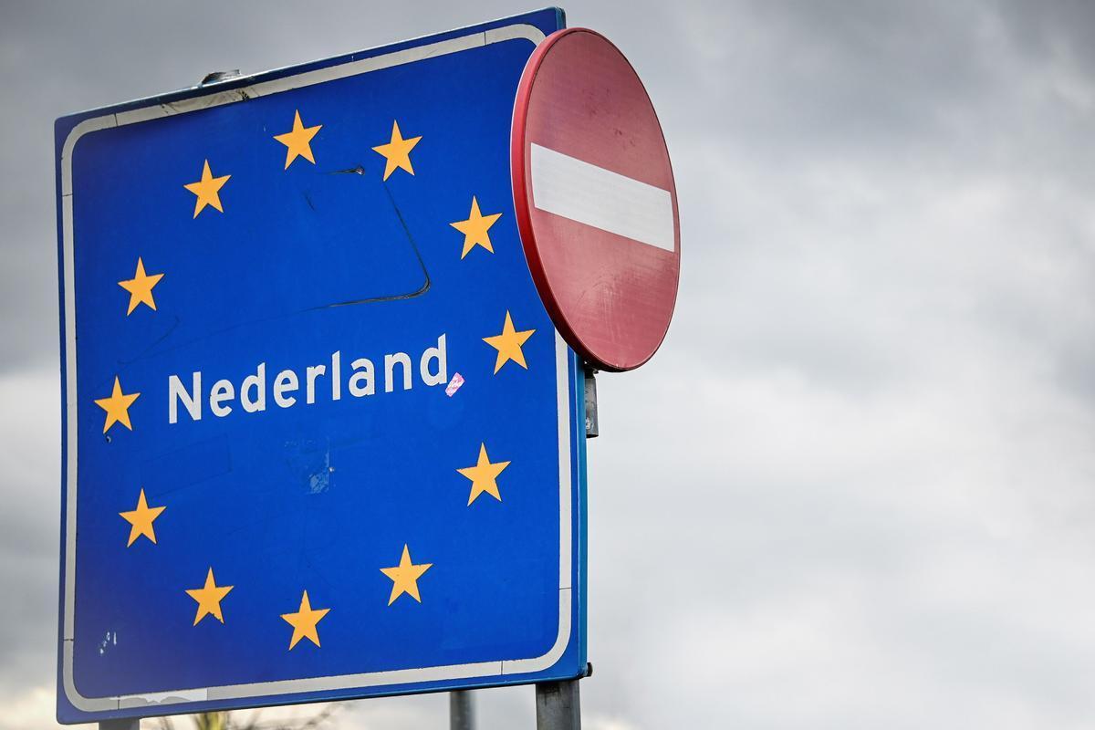 Señal que marca la entrada en territorio holandés.