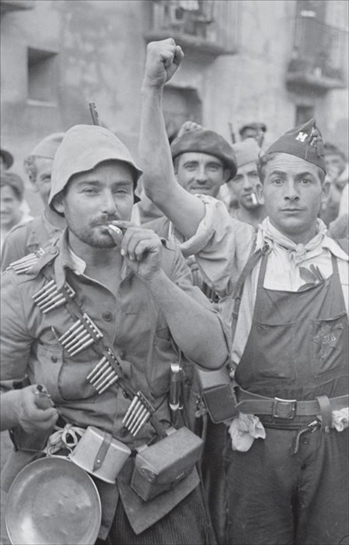 Milicianos de la columna Trueba-del Barrio en Grañén, el 14 de septiembre de 1936.