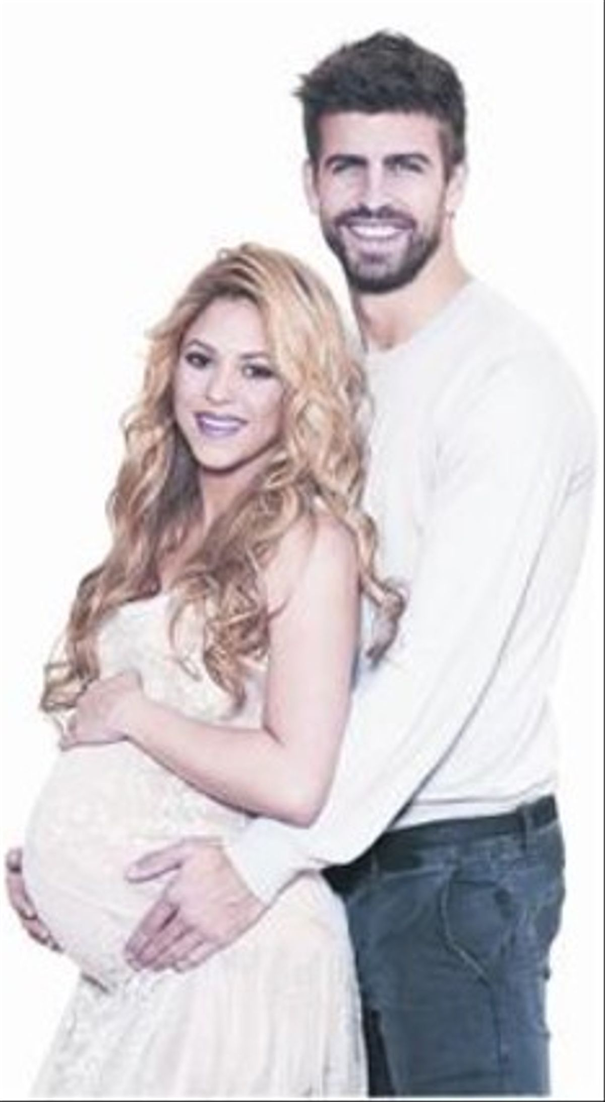 CARAS DE FELICIDAD 3 Shakira, en avanzado estado de gestación, y Piqué, en una imagen de suúltima y recient campaña solidariapara Unicef.