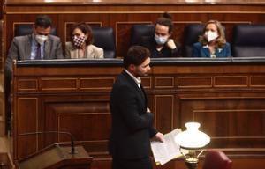 El presidente del Gobierno, Pedro Sánchez, la vicepresidenta primera, Carmen Calvo, el portavoz de ERC, Gabriel Rufián, el vicepresidente segundo, Pablo Iglesias, y la vicepresidenta tercera, Nadia Calviño