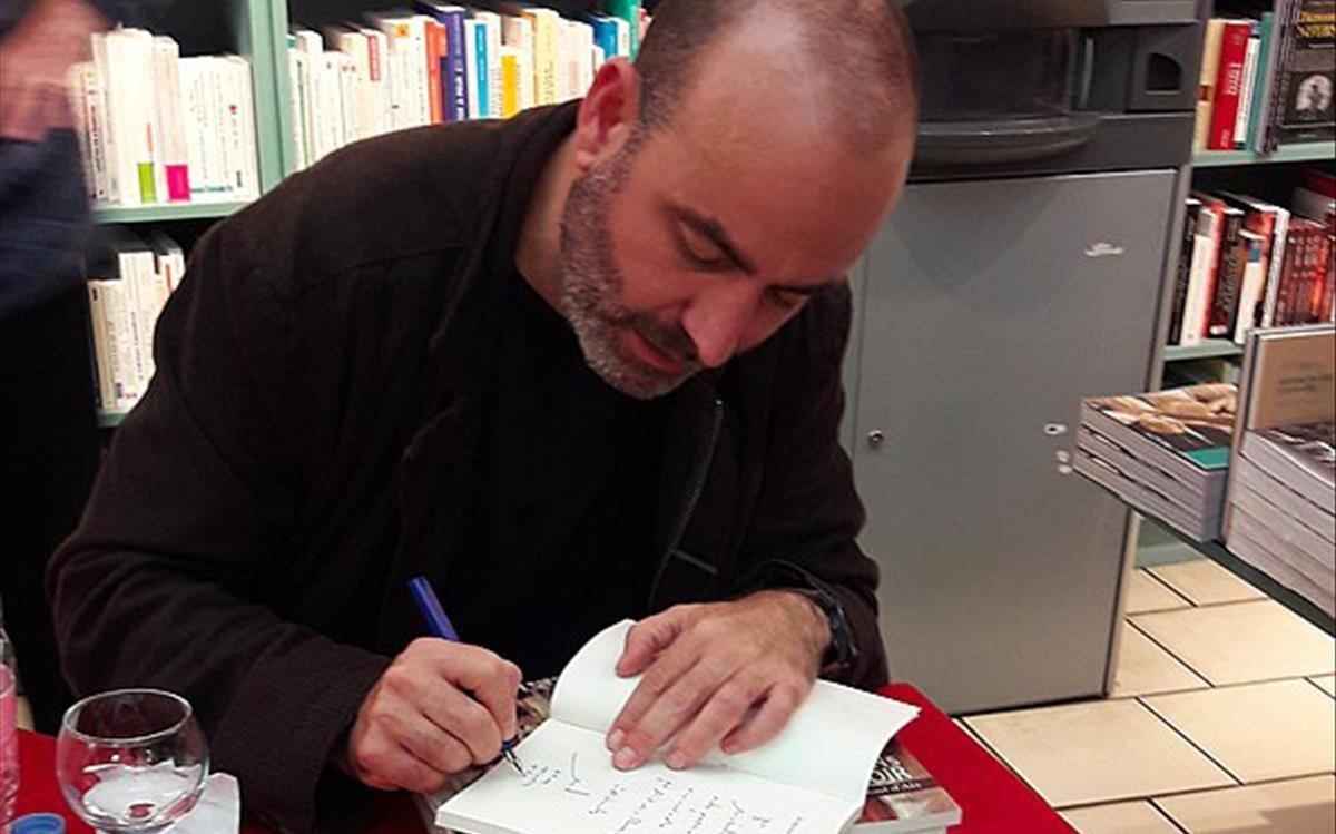 El escritor Ernesto Pérez Zúñiga.