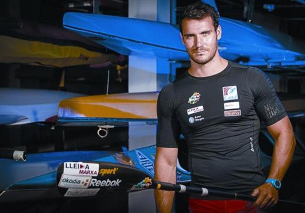 Piragüista y policía nacional 8 Saúl Craviotto aspira a ganar otra medalla en los mundiales de Alemania.