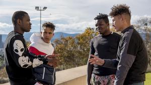 Ousmane, Ismail, Shamsy y Mohamed. Tienen en común su pasión por el fútbol y buscan un futuro mejor.