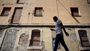 La dueña de un edificio de la Barceloneta lo cede al ayuntamiento porque no puede pagar las obras