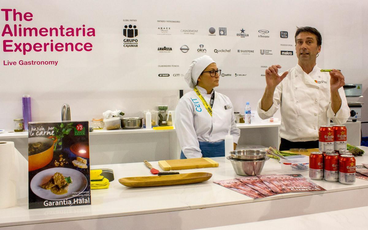 El chef David Olivé, durante su clase sobre producto halal en Alimentaria.