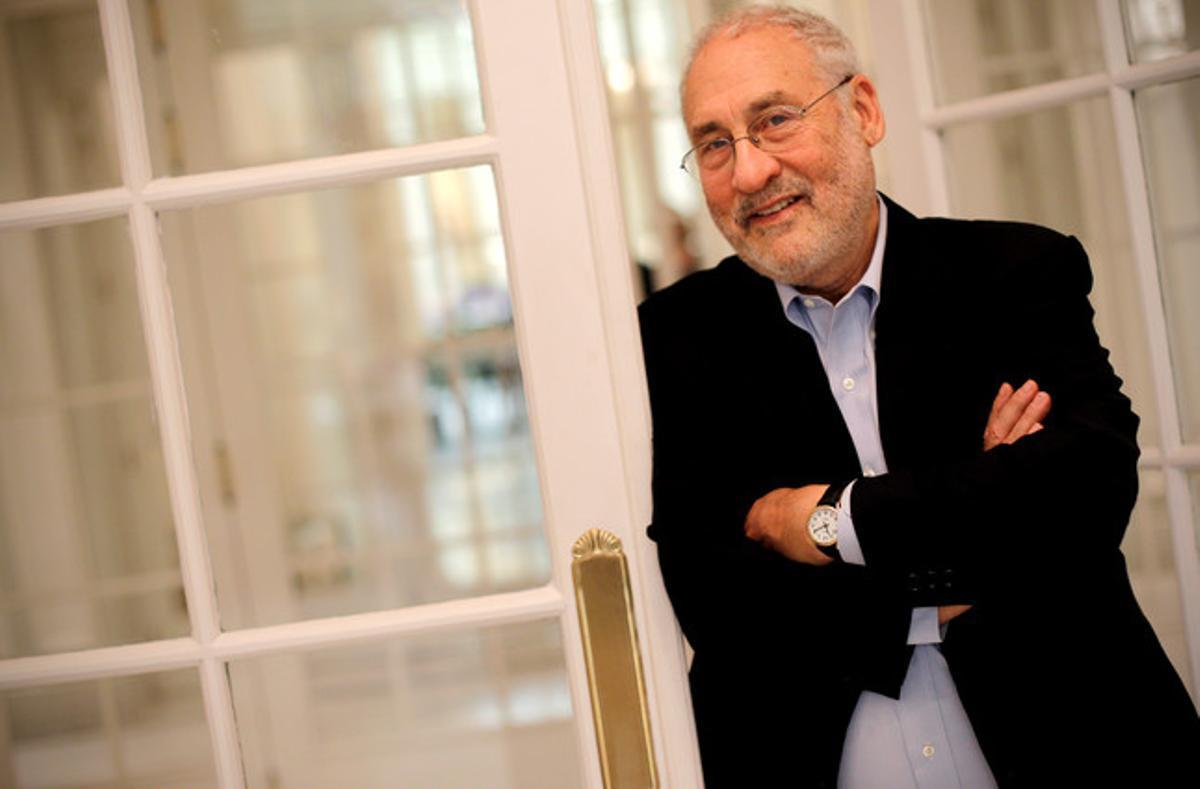 Joseph Stiglitz posa para la entrevista, el pasado día 14, en Madrid.
