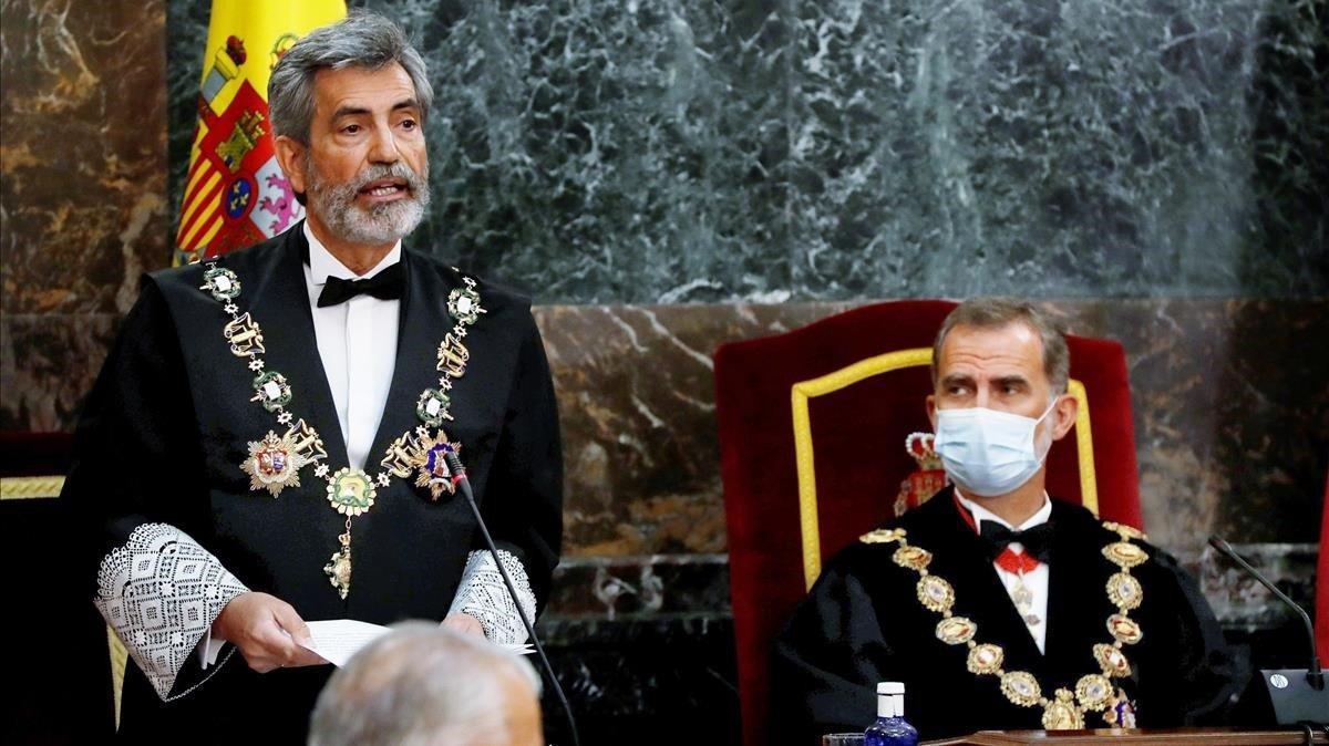 El presidente del Consejo General del Poder Judicial, Carlos Lesmes, interviene en presencia del rey Felipe VI en la apertura del año judicial.
