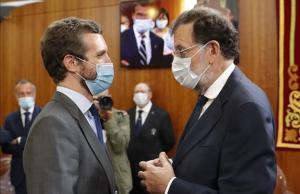 Pablo Casado y Mariano Rajoy, en el Parlamento de Galicia