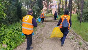 Sant Boi confia la neteja de parterres al centre especial de treball Igualssom
