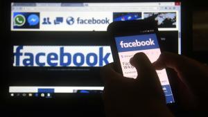 Facebook fa públics missatges privats de 14 milions d'usuaris