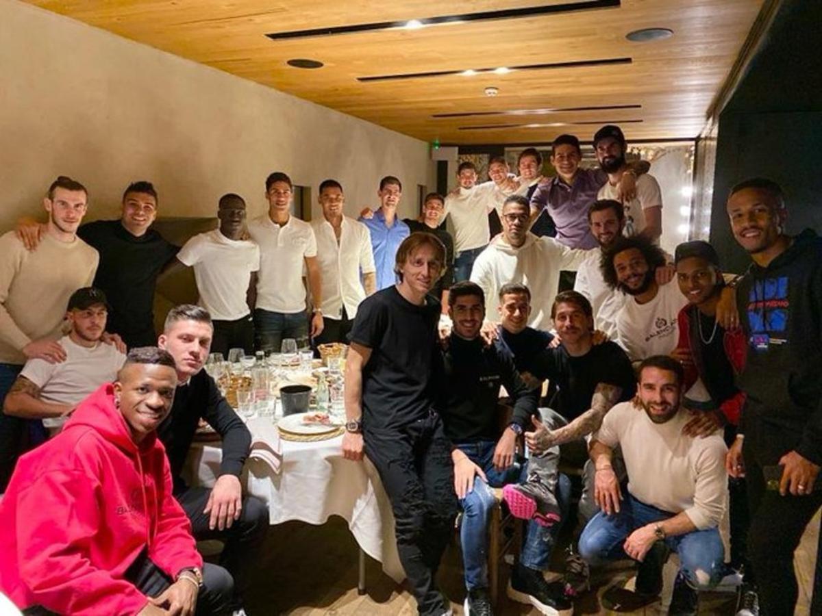 La foto de los jugadores del Madrid, en la cena de equipo.