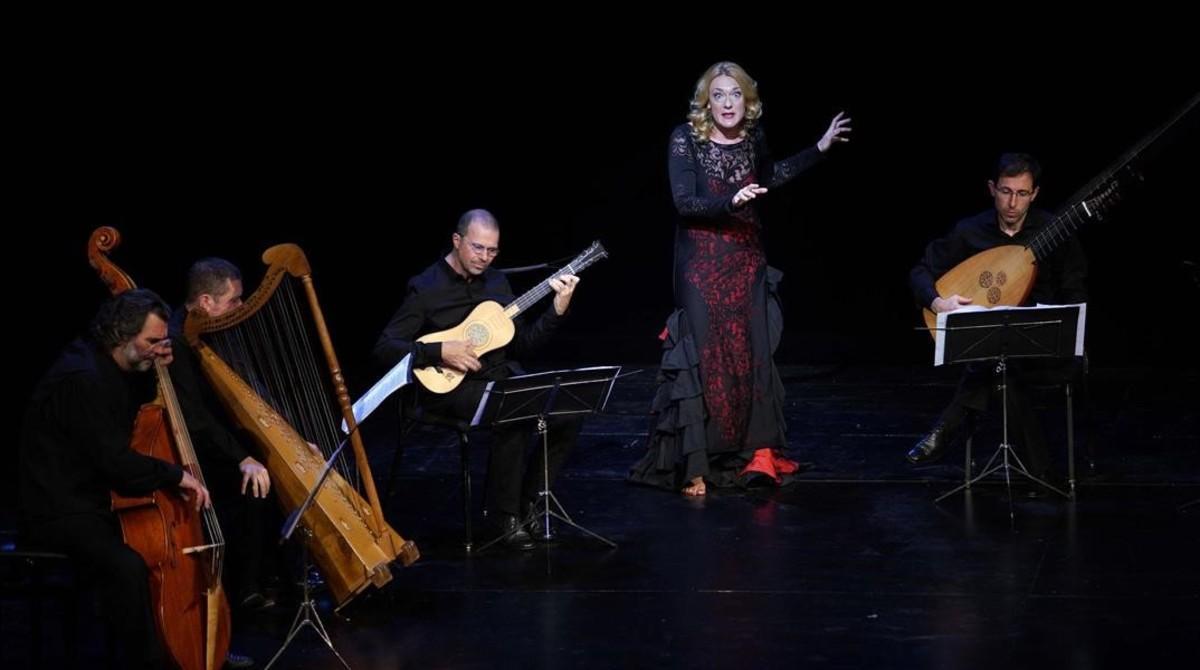 Magdalena Kozená y los instrumentistas de Private Musicke, en un momento del espectáculo.