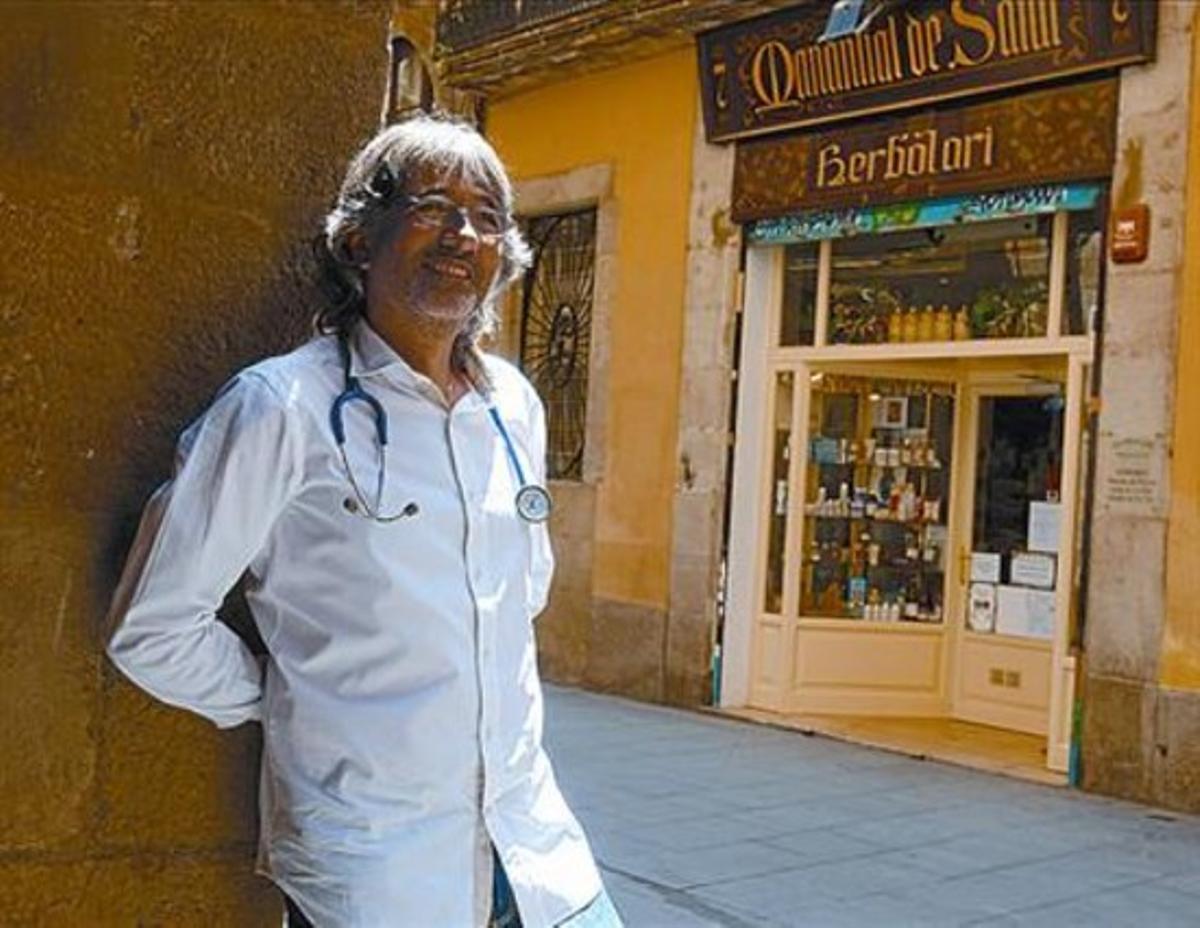 Oriol Camerino: «El médico tiene que explicar,  no solo recetar»
