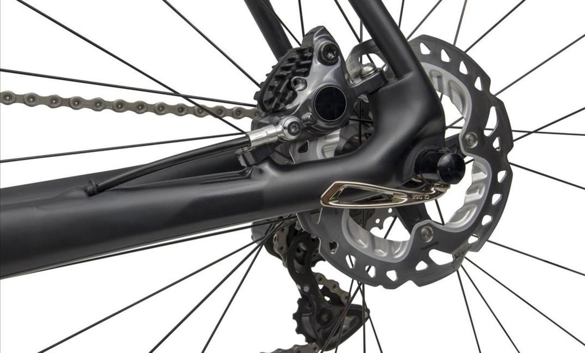 Frenos de disco en una bicicleta de carretera.