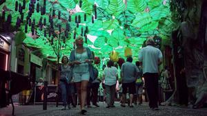 La calle de Verdi del Mig, cuya decoración en las fiestas de Gràcia lleva por título este 2019 'Veggie Verdie'.