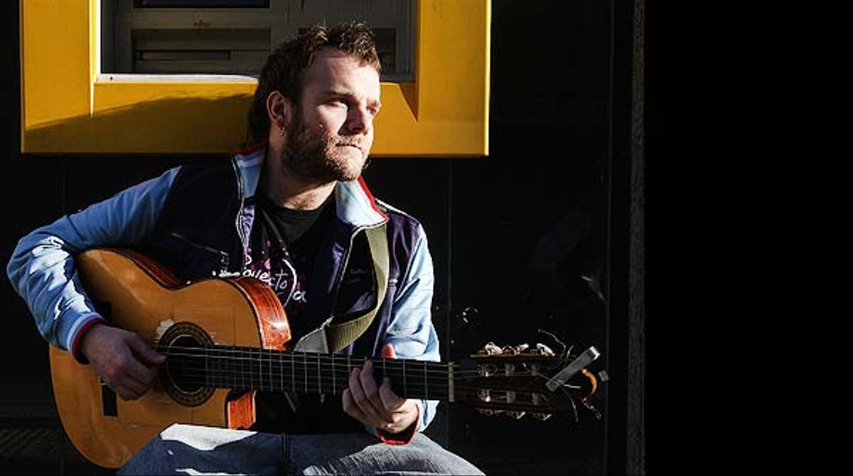 El cantautor estrena, en exclusiva para EL PERIÓDICO, su nueva canción.