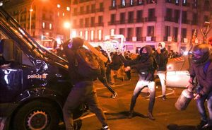 Disturbios en Barcelona durante la manifestación contra la detención de Pablo Hásel.