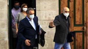Xavier Vendrell, sale de su domicilio tras ser detenido por la Guardia Civil, el pasado 28 de octubre.