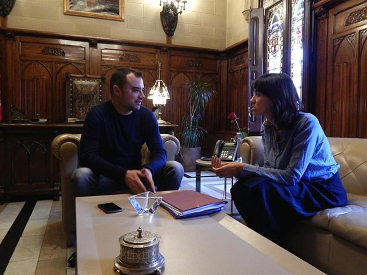Jordi Ballart, alcalde de Terrassa, junto a Núria Parlón, alcaldesa de Santa Coloma de Gramenet.