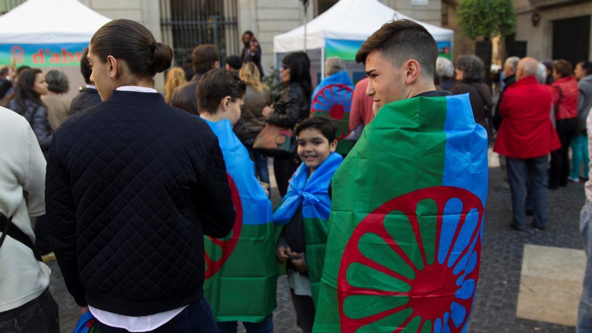 Acto conmemorativo del Día Internacional del Pueblo Gitano en Barcelona, en 2018.