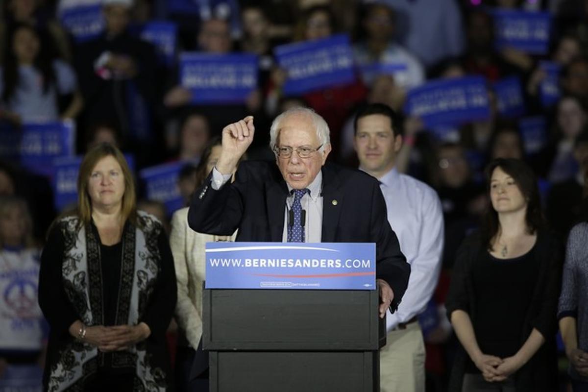 El candidato demócrata Bernie Sanders, durante la noche electoral.