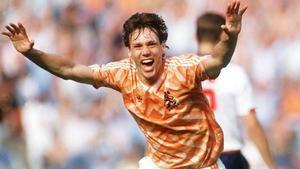 Van Basten fue el máximo goleador del torneo con 5 goles.