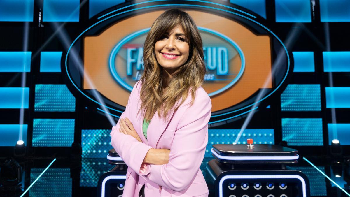 Nuria Roca, en el plató de 'Family Feud: la batalla de los famosos'.