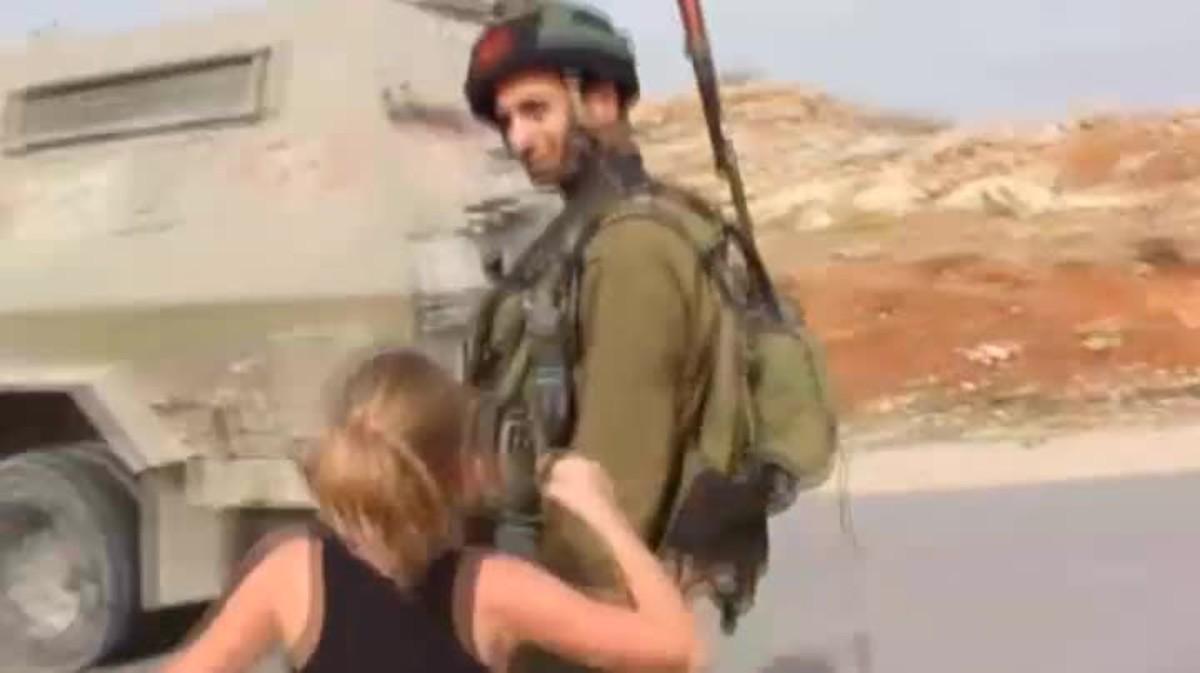Ahed Tamimi, la adolescente palestina que abofetea a soldados israelís, a disposión judicial.